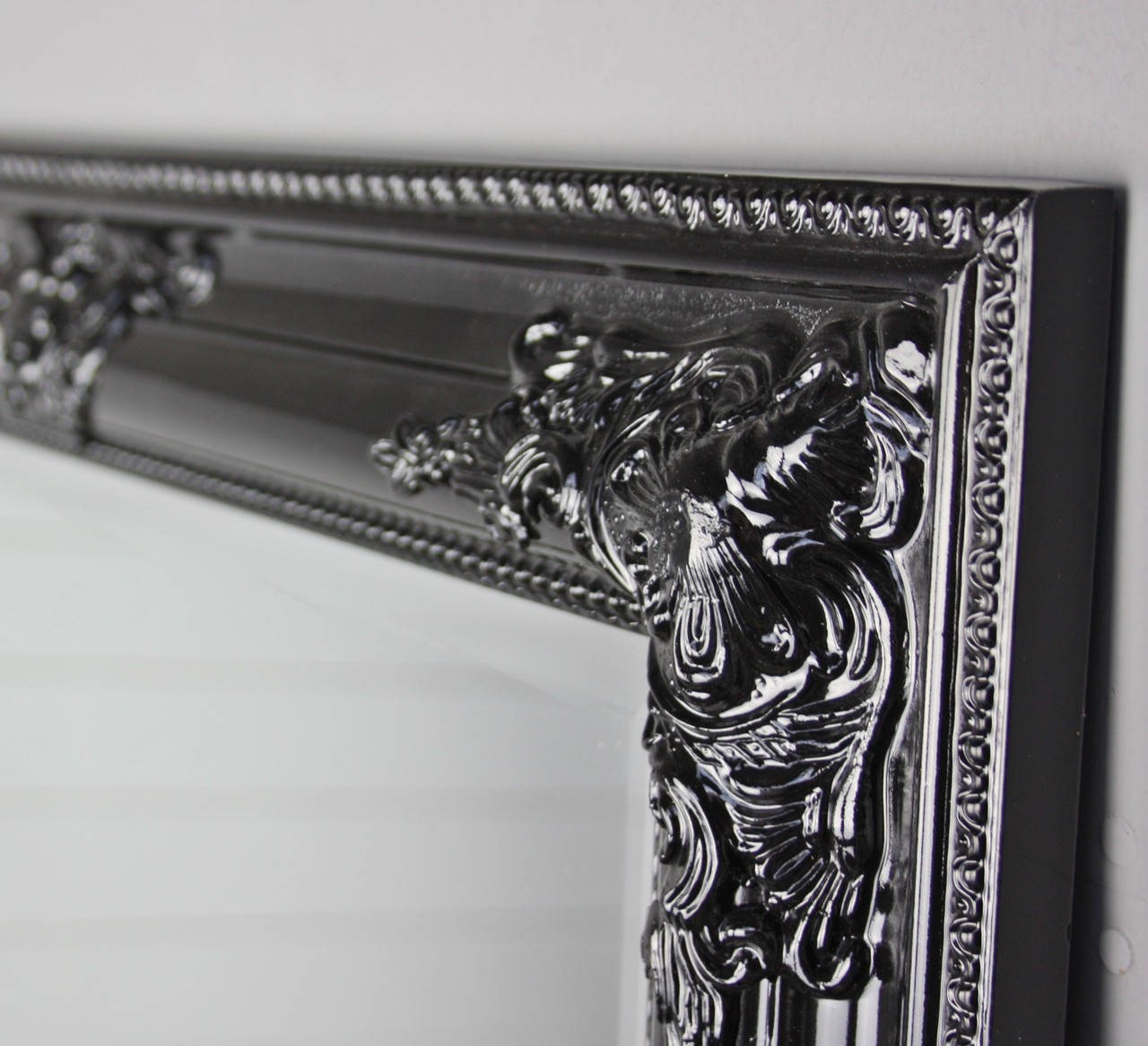 Miroir noir 82x62cm bois mural baroque de sale bain for Miroir salle de bain baroque