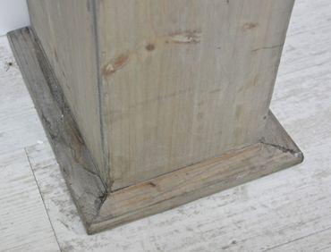 Kaminumrandung braun aus Holz